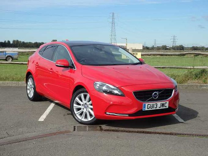 Volvo V40 D2(94) SE LUX Leather and Sunroof