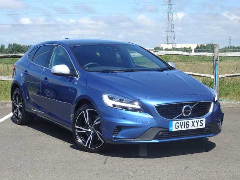 Volvo V40 D3 (150) R-Design Pro with Xenium & Winter Pack