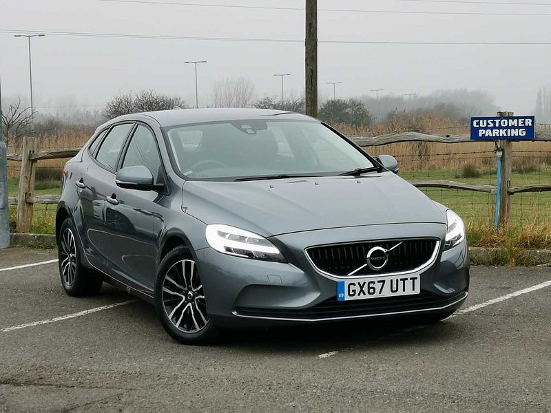 Volvo V40 T2 Momentum. 1 Owner from New, Full Volvo Service History