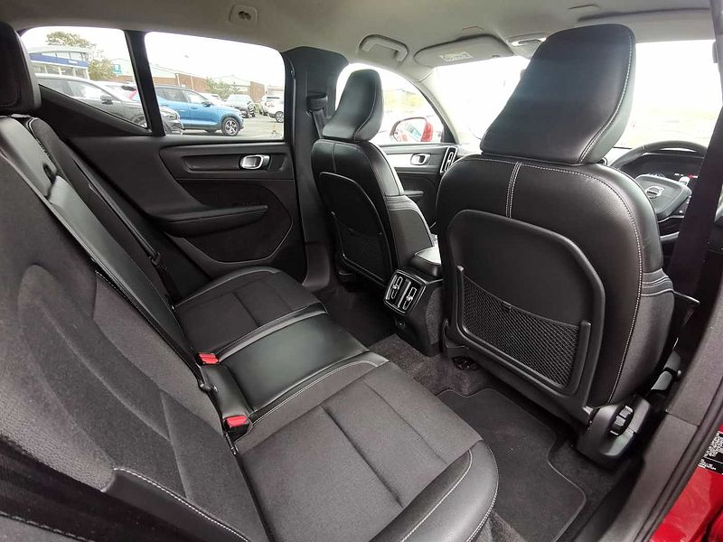Volvo XC40 T3 Momentum Manual. 1 Private Owner from New, Winter Pack, and Very Low Mileage